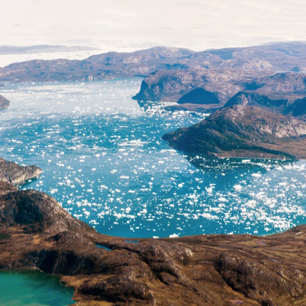Drifters Guide Greenland by plane experience tour